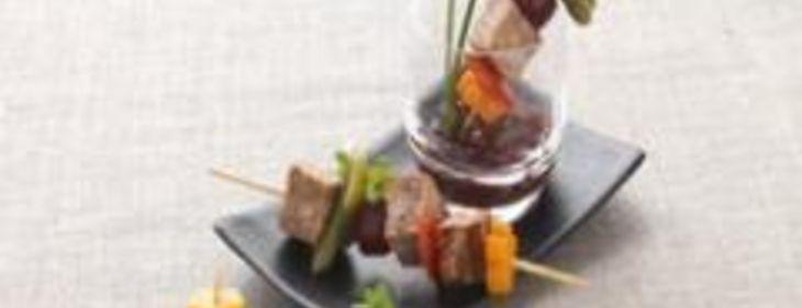 Brochette de terrine de campagne et légumes au vinaigre